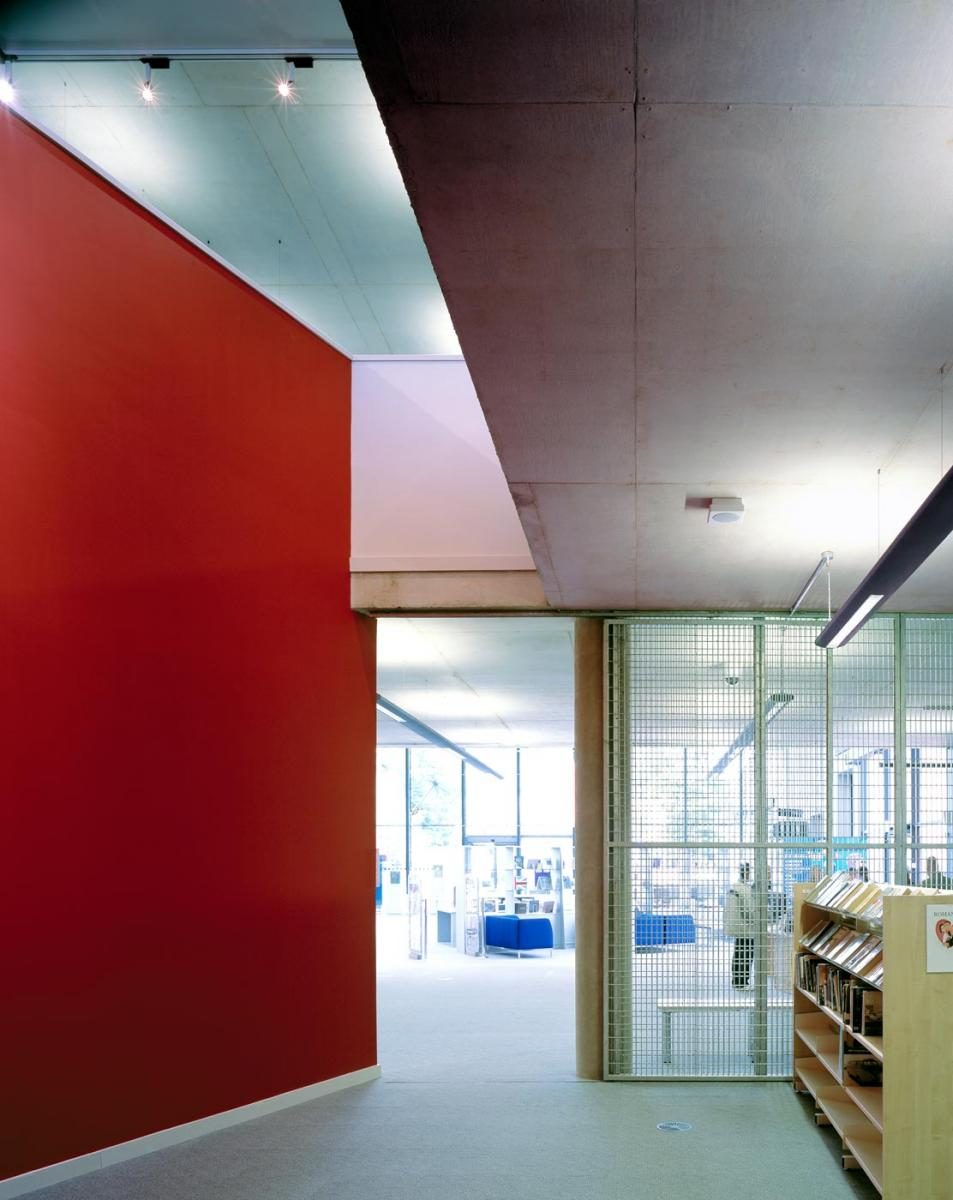 Oldham Library and Lifelong Learning Centre - interior