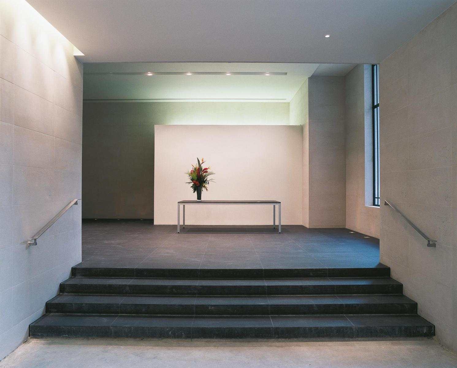 Tokenhouse Yard, City of London - Reception