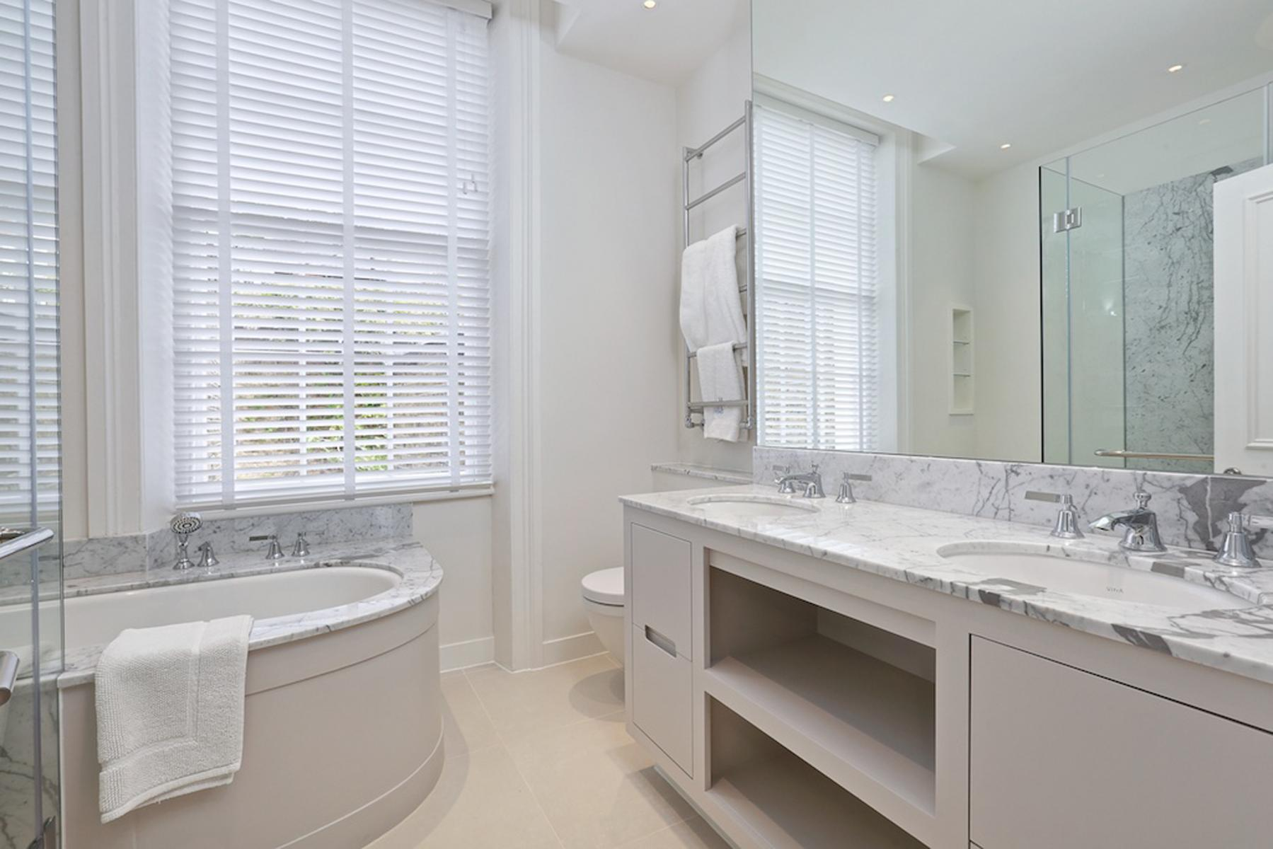 South Eaton Place Principal Bathroom