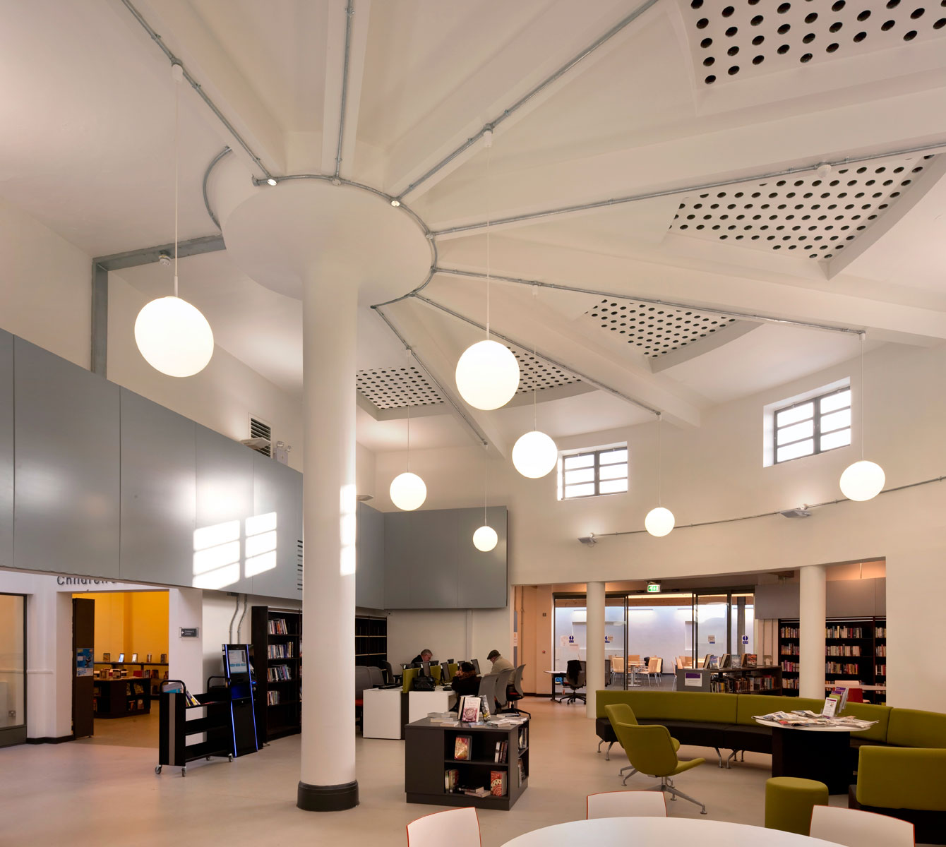 Hounslow 05_Isleworth library Interior.jpg